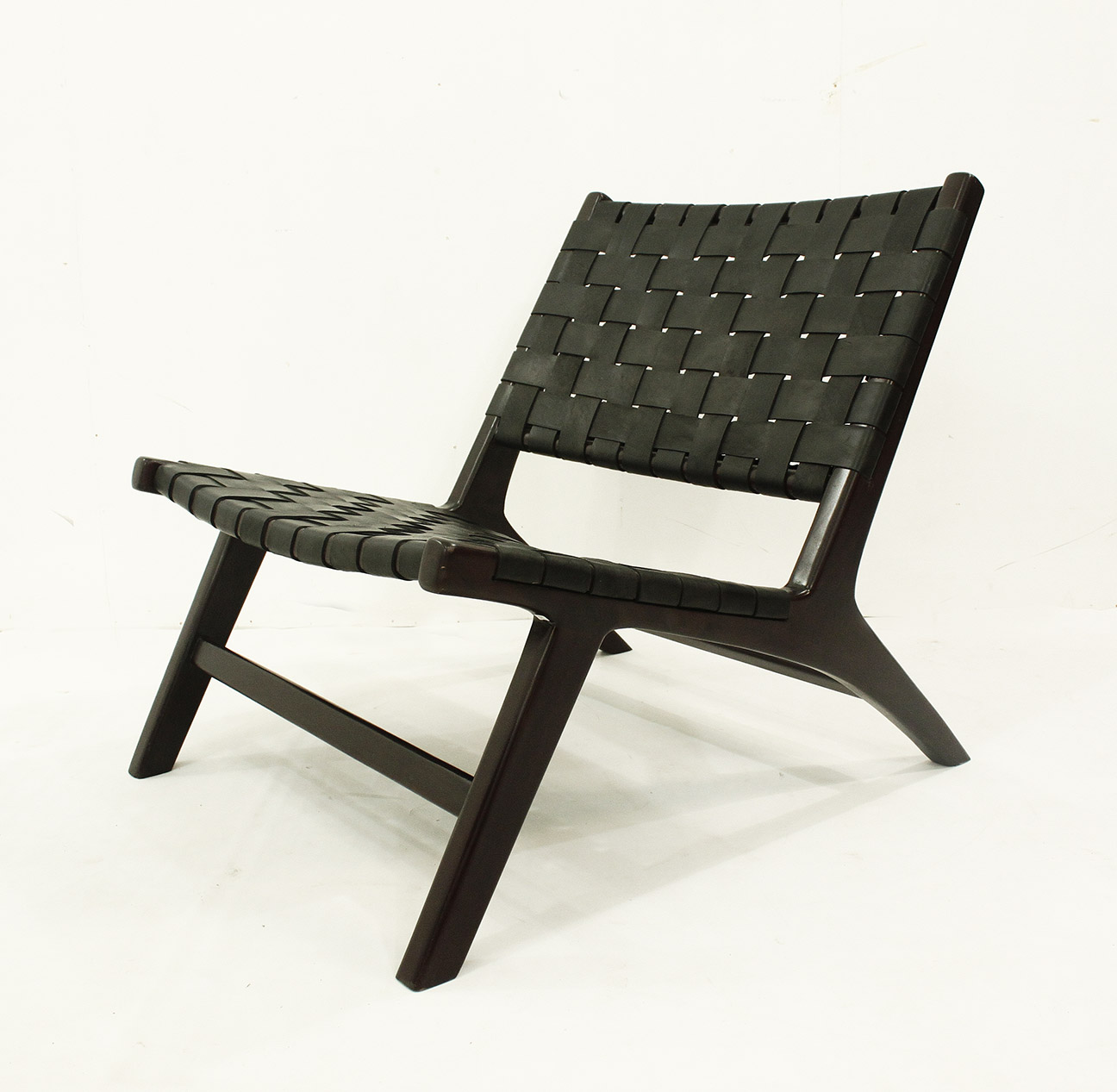 Chaise noire los angeles los angeles zwarte stoel los for Chaise 64 cm